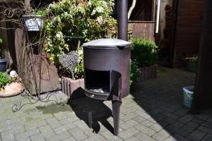 Terrassenofen mit Kochtopf (2)
